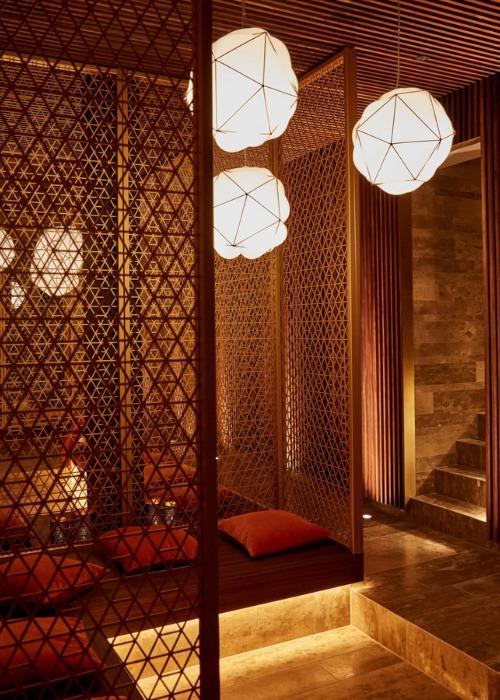 Entspannung im Hotel Bachmair Weißach am Tegernsee, MIZU Onsen Spa mit Holzverkleidung