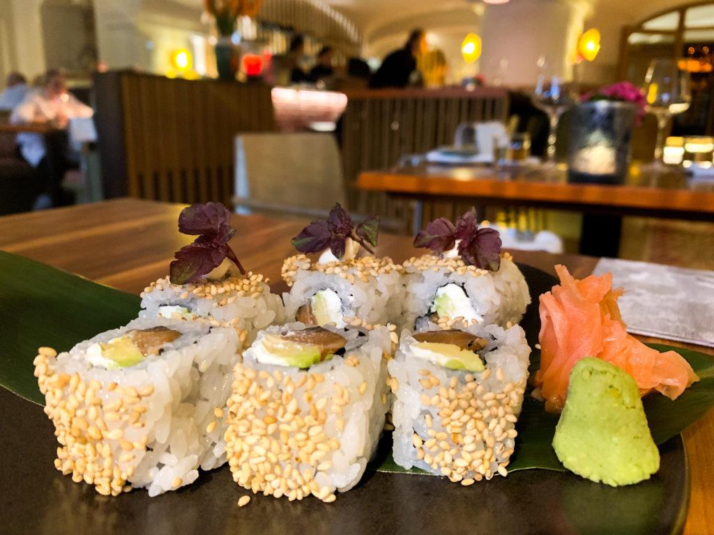 Entspannung im Hotel Bachmair Weißach am Tegernsee, Sushi Abendessen im MIZU Restaurant
